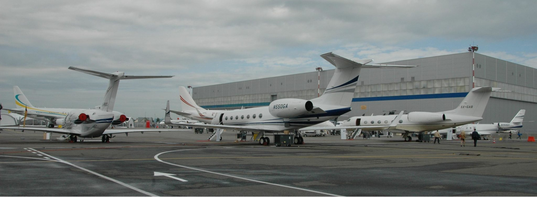 JetOptions charters private jets to Moscow