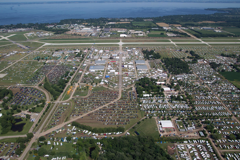 EAA AirVenture Appeals FAA's $447,000 Oshkosh ATC Bill