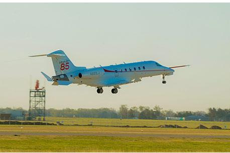 Learjet 85 makes first flight