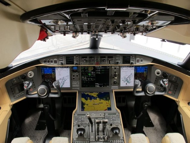 Bombardier Global 6000 Paris Air Show 2015 cockpit