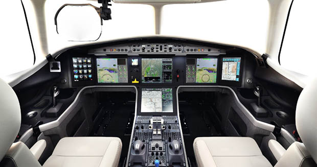 Honeywell collaborated with Dassault to create the EASy III flight deck in Dassault's Falcon 5X (PRNewsFoto/Honeywell Aerospace)