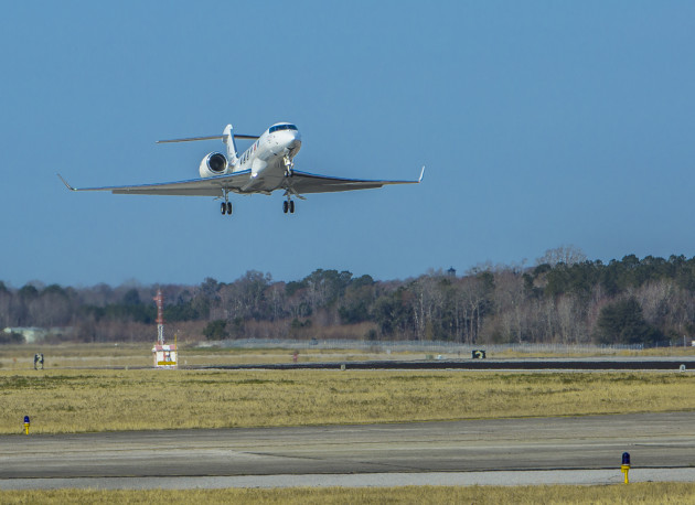 The fourth G500 test aircraft comes in for a landing after its 3-hour and 17-minute first flight.