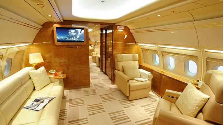 Airbus ACJ318 Jet Interior