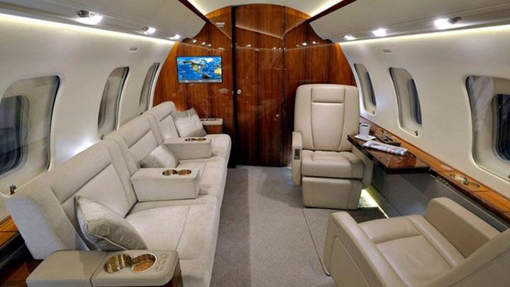 Challenger 605 Jet Interior