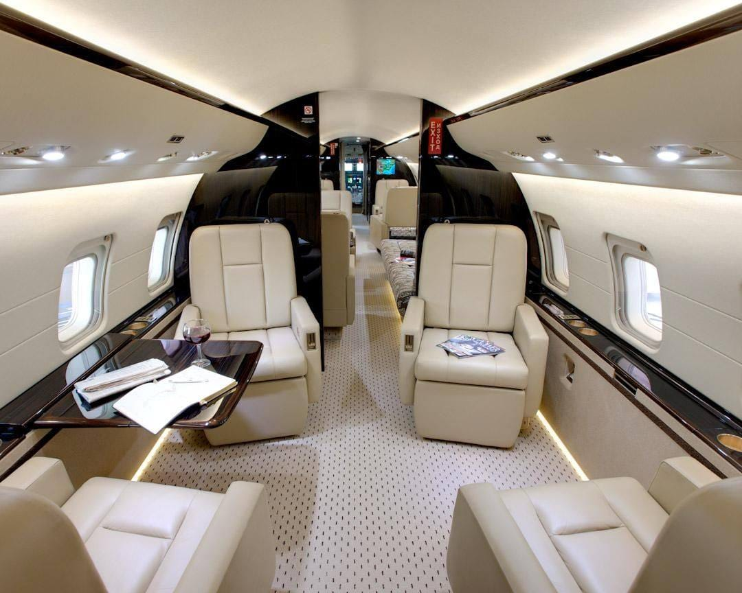Charter a Challenger 850 Jet from JetOptions