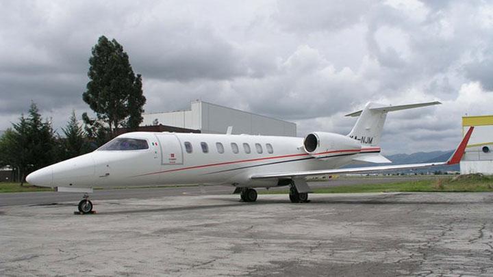 Learjet 40XR Jet Exterior