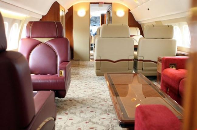 McDonnell Douglas MD87 Jet Interior