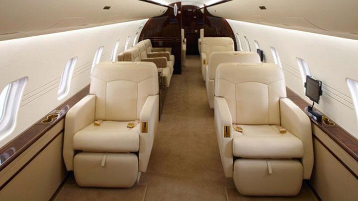 Challenger 850 Jet Interior